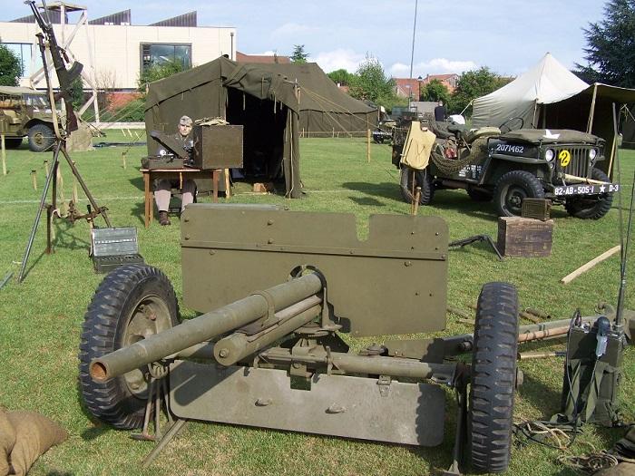8e fête des véhicules militaires Veigy 2013