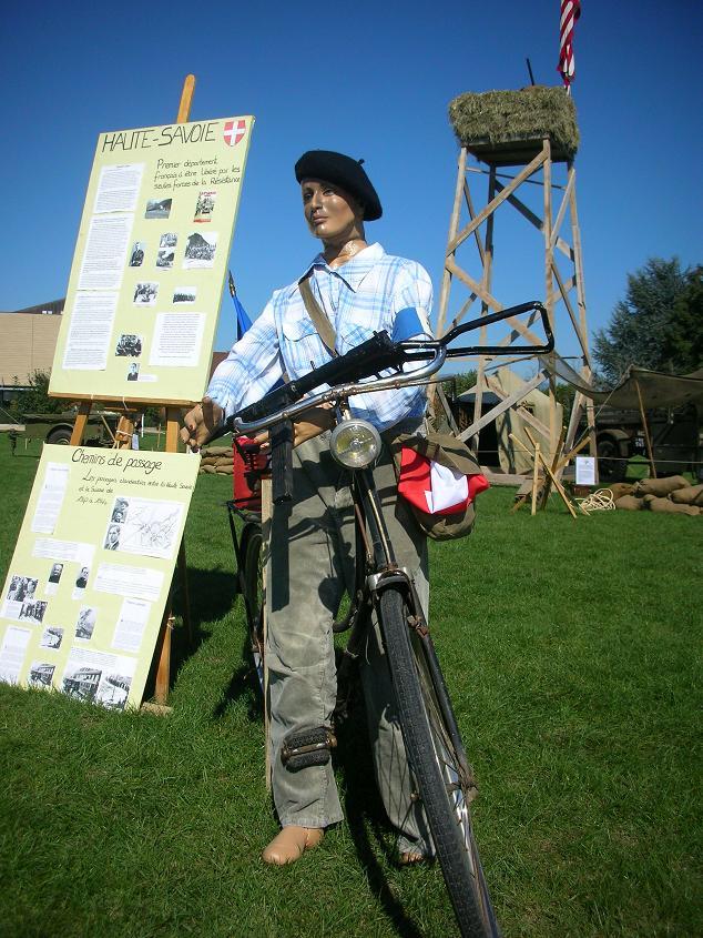 6e Fête des Véhicules Militaires 2011 à Veigy-Foncenex AVM74